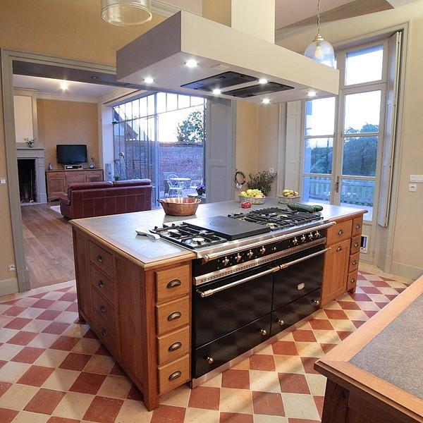 cuisine design rotisserie avec des id es int ressantes pour la conception de la. Black Bedroom Furniture Sets. Home Design Ideas